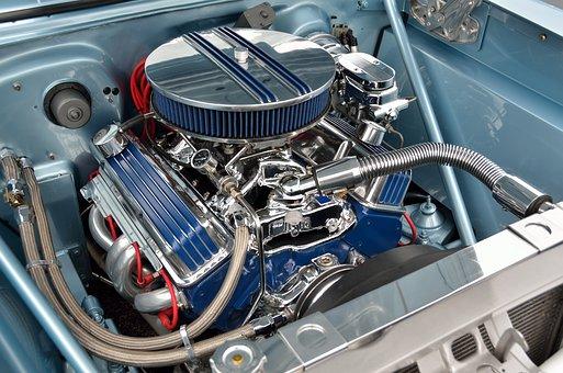 Właściwa wymiana oleju w silniku to dla niego samo zdrowie. Źródło: Pixabay.com.