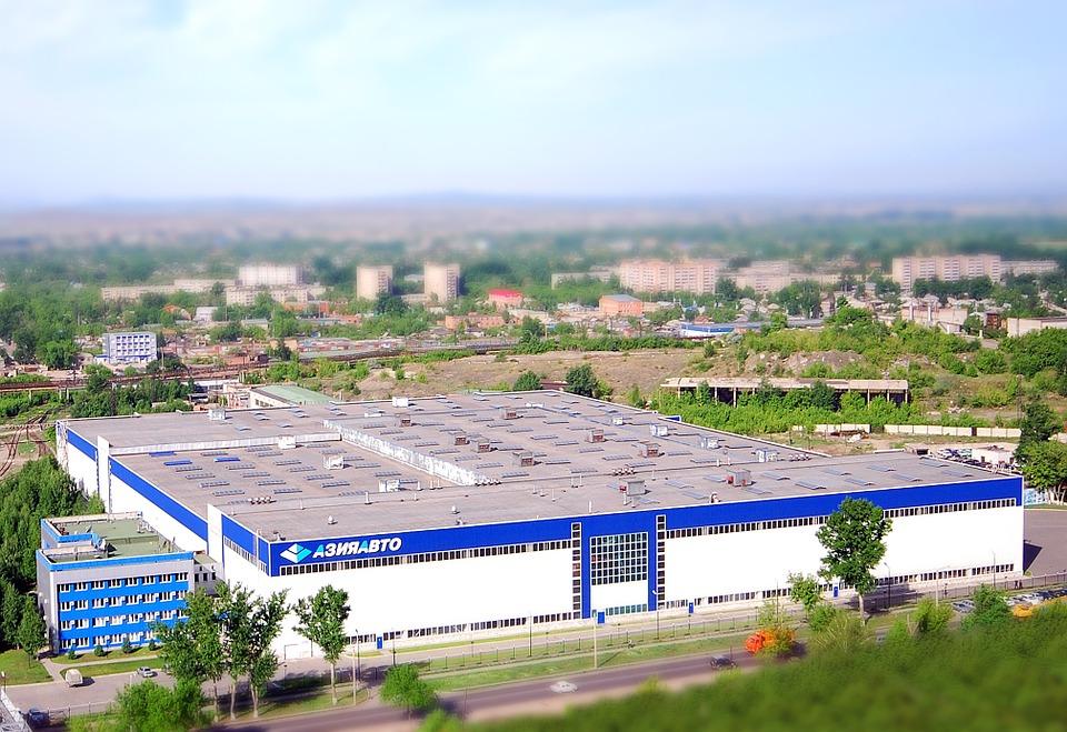 Najczętszy obszar zagranicznej inwestycji w Polsce to nadal przemysł. Źródło: Pixabay.com.