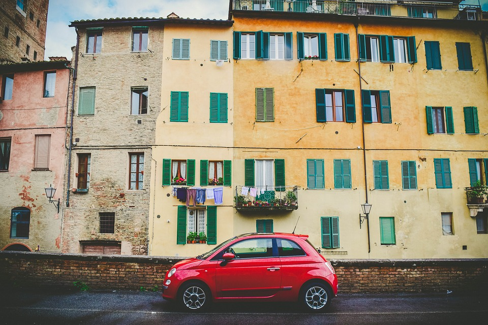Miejskie auto doczekuje się nowych wariantów, także u Volkswagena. Źródło: Pixabay.com.