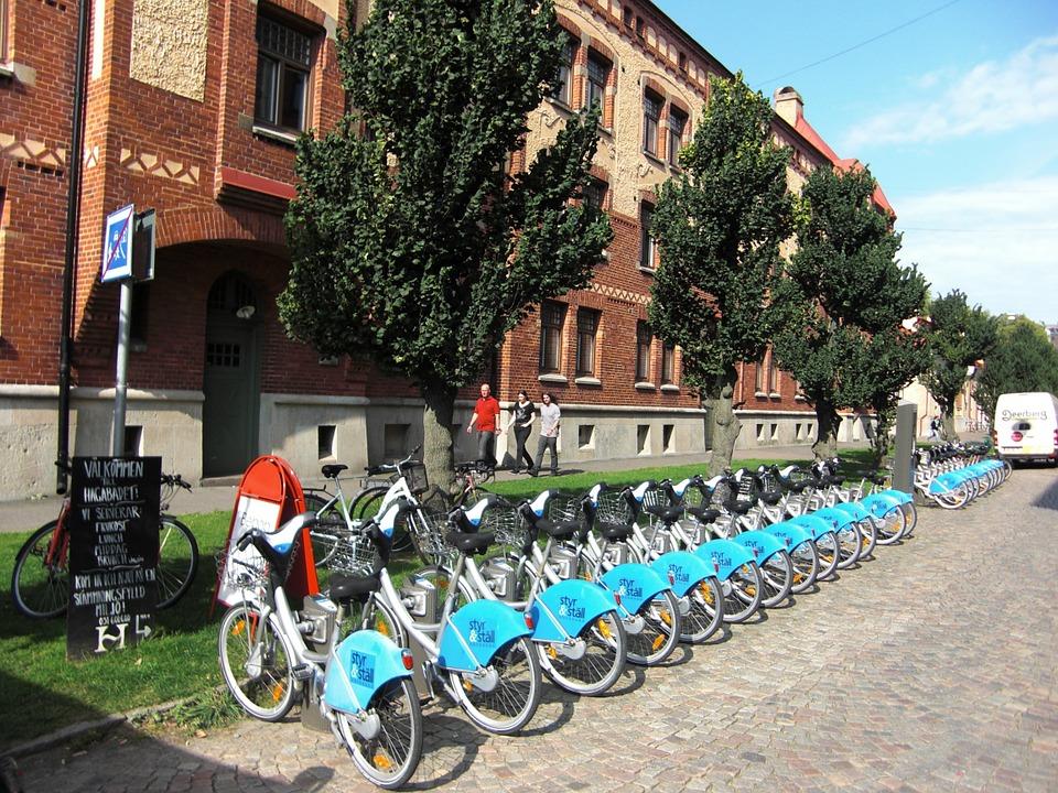 Wypożyczalnie samochodów miejskich mają działać podobnie jak z rowerami. Źródło: Pixabay.com.