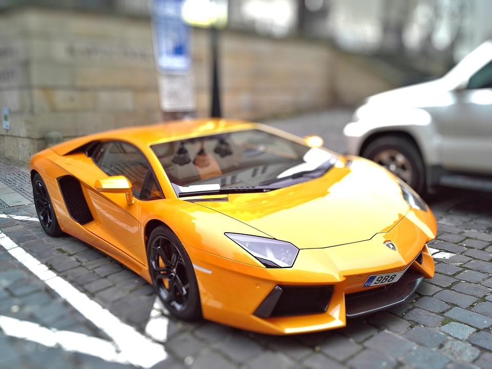 """Pora przyzwyczaić się, że Lamborghini będzie mieć też mniej """"opływowe"""" kształty, niż obecnie. Źródło: Pixabay.com."""