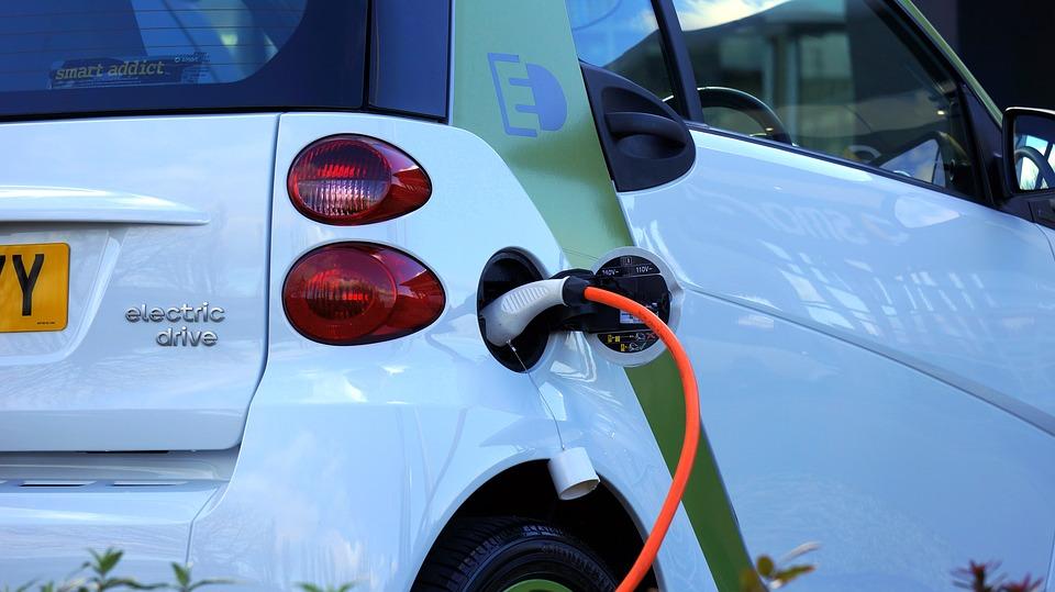 Samochody się zmieniają - niedługo możemy ich nie poznać. Źródło: Pixabay.com.