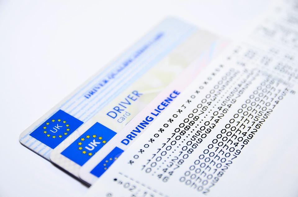 Prawo jazdy dla niektórych pozostaje marzeniem. Źródło: Pixabay.com.