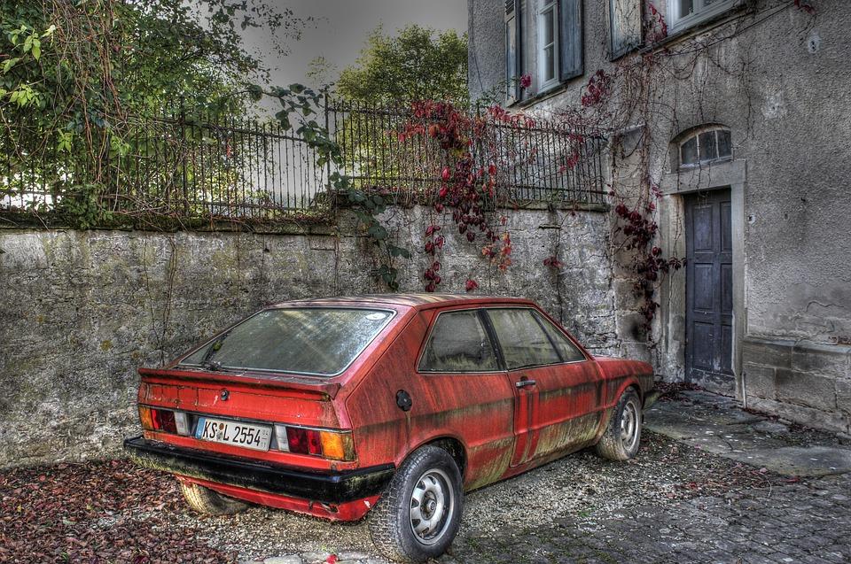 Po Polsce jeździ dość sporo pojazdów, które oficjalnie nie powinny przejść przeglądu. Źródło: Pixabay.com.